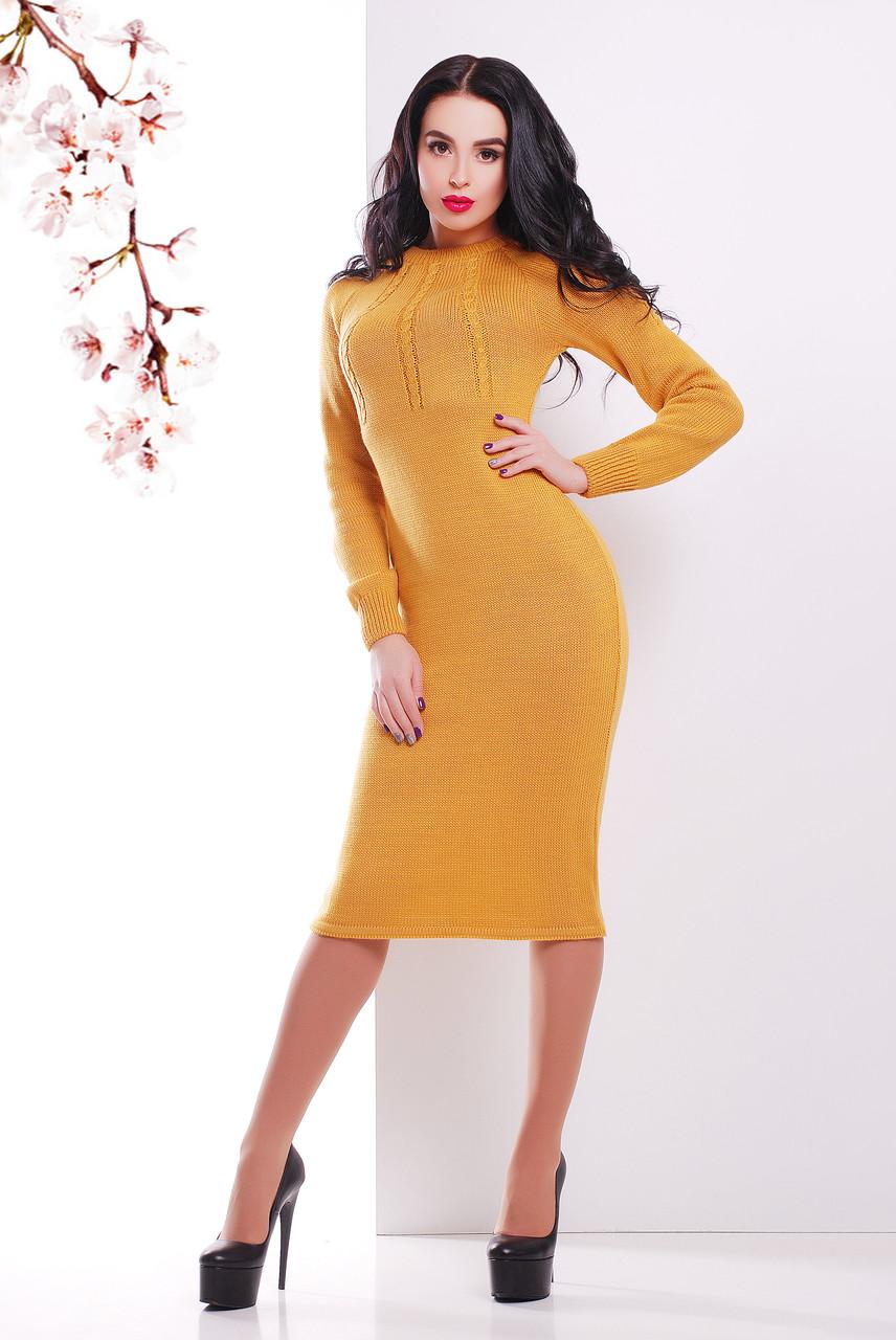 Жіноча в'язана сукня нижче колін гірчиця
