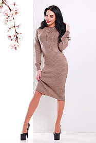 Женское вязаное платье ниже колен цвета кофе