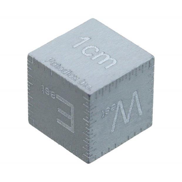 Масштабный кубик 1 см Fotodiox с гравированной лазерной разметкой для макросъемки серебрянный