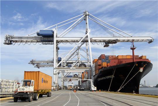 Береговой контейнерный кран