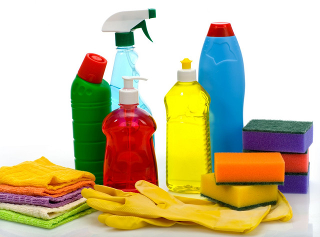 Средства для чистки ковров и мебели