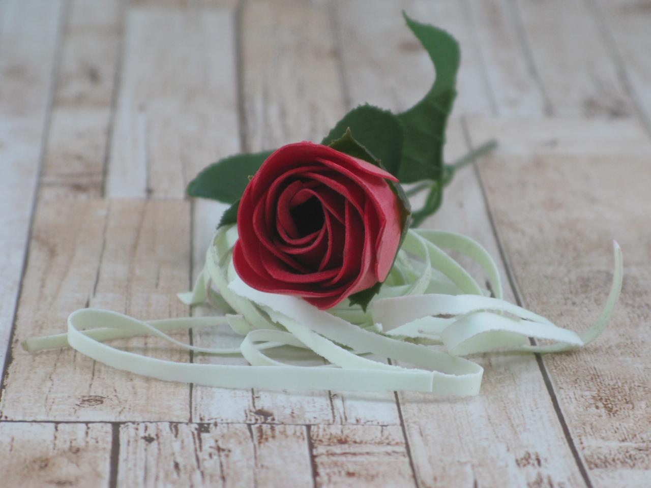 Цветок роза из мыла ( подарок на 14 февраля )
