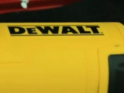 Угловая шлифмашина DeWalt DWE4257