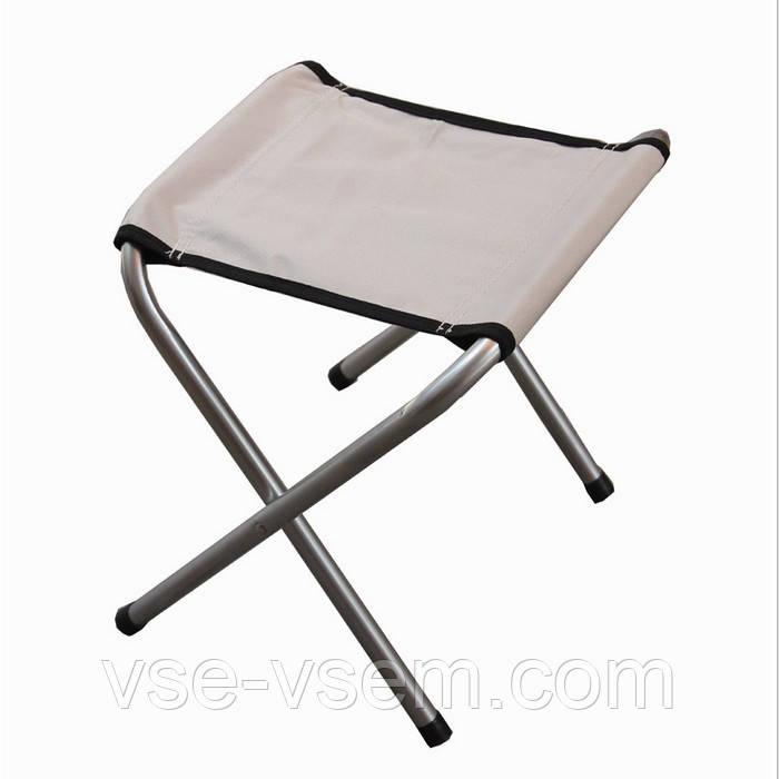 Складаний стілець для пікніка та риболовлі.