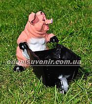 Садовая фигура Свинья с тележкой, фото 3