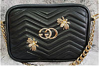 Женская кожаная сумка черного цвета, декорирована фурнитурой. Производство Украина