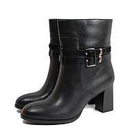Женские весенние ботинки на каблуке черные