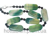 Ожерелье зеленого цвета агат