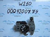 Механизм ручного тормоза Мерседес 210, Mercedes W210 0004200779