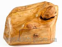 Деревянная шкатулка комод