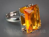 Перстень с камнем янатрный цвет