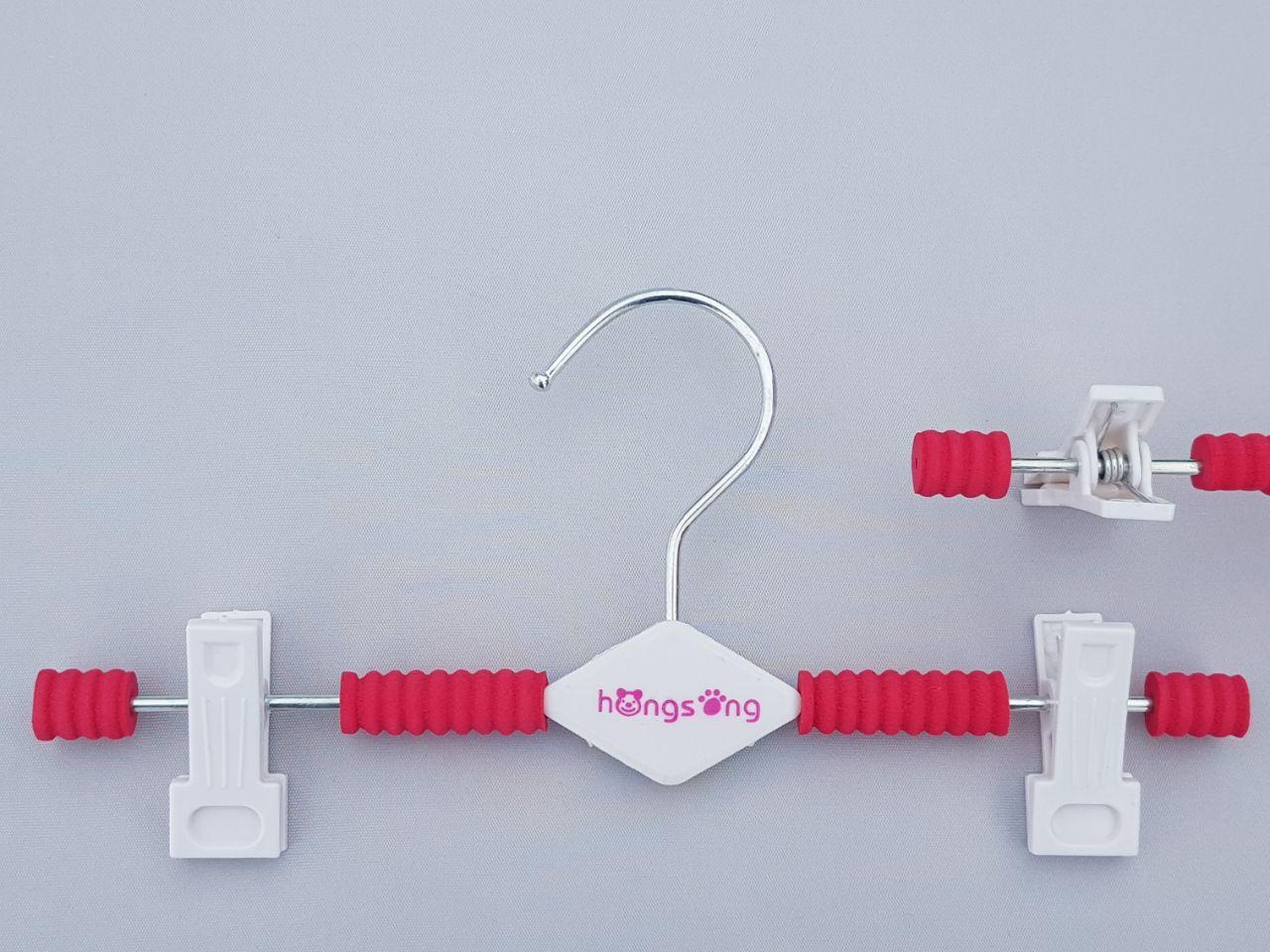 Плічка вішалки дитячі поролонові для штанів і спідниць рожевого кольору, довжина 26 см