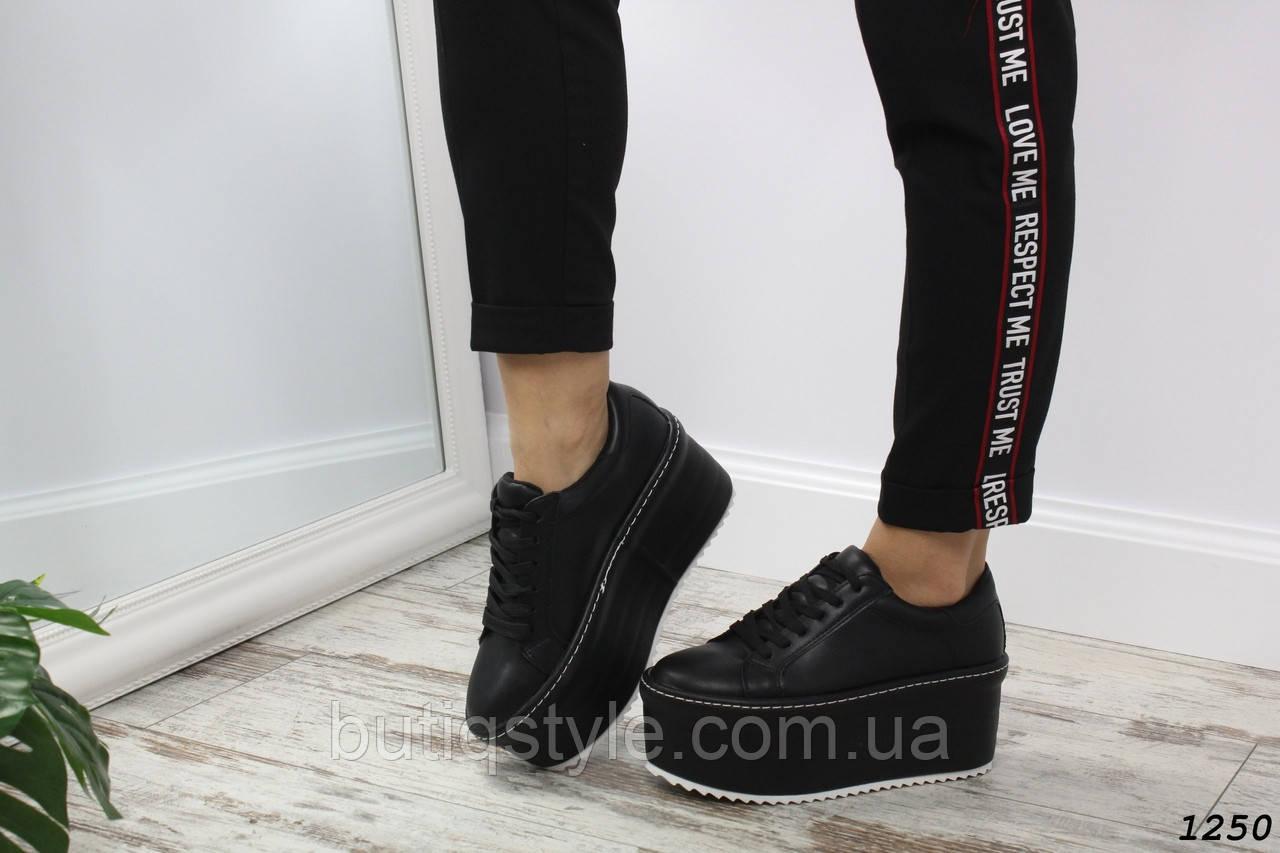 40 размер! Туфли женские черныена платформеэко-кожа