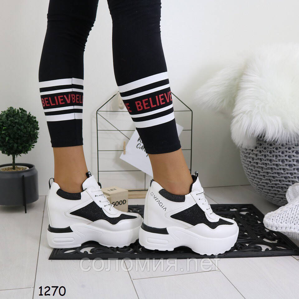 Женские белые с чёрными вставками кроссовки на платформе танкетке сникерсы  на шнуровке 2f7c9b88fb1b8