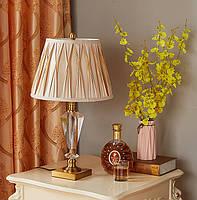 Декоративная хрустальная настольная лампа Hancome.