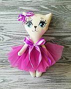 Игрушка кошка в платье цвета фуксии (ярко розовый) ручная работа hand made