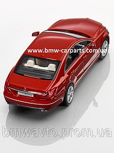 Модель Mercedes-Benz CLS-Class, Designo Hyacint Red Metallic, 1:43 Scale