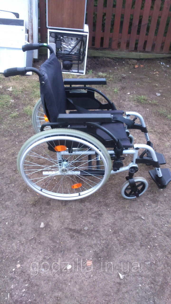 Инвалидное кресло-коляска Breezy BASIX 40 см