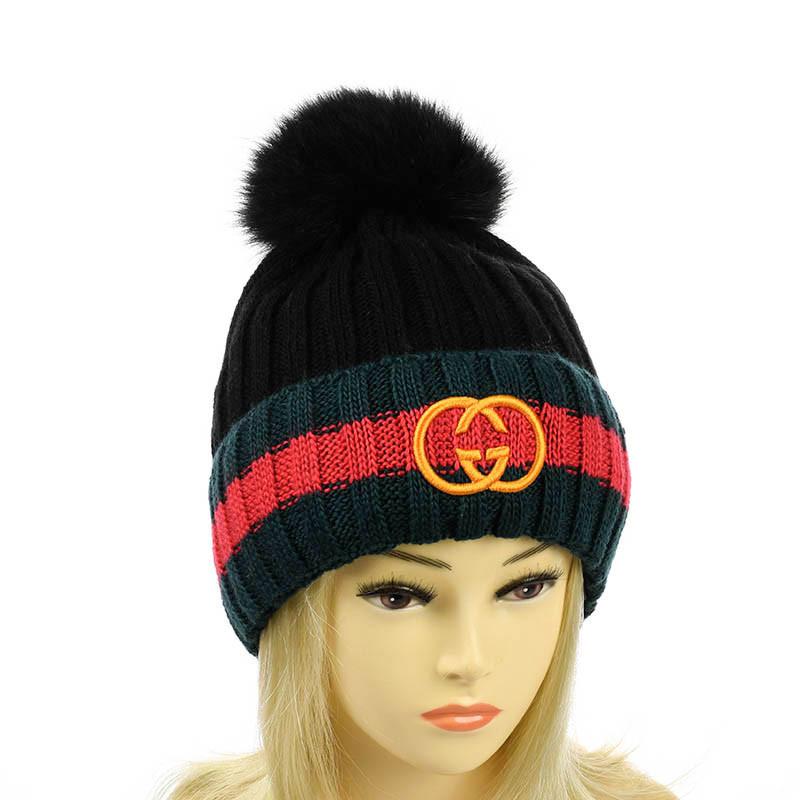 Зимняя шапка с отворотом на флисе черный