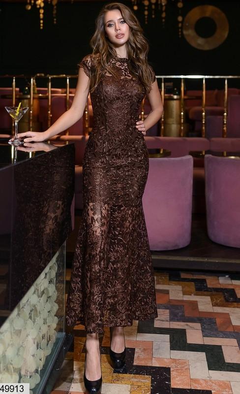 Шикарное платье в пол облегающее с коротким рукавом итальянское кружево кофейного цвета