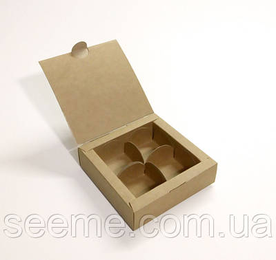 Коробка із крафт картону для 4 цукерок 110x110x30 мм
