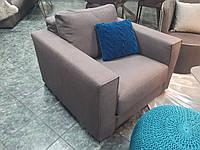 Современное кресло MANHATTAN в коричневой ткани фабрика ALBERTA (Италия)