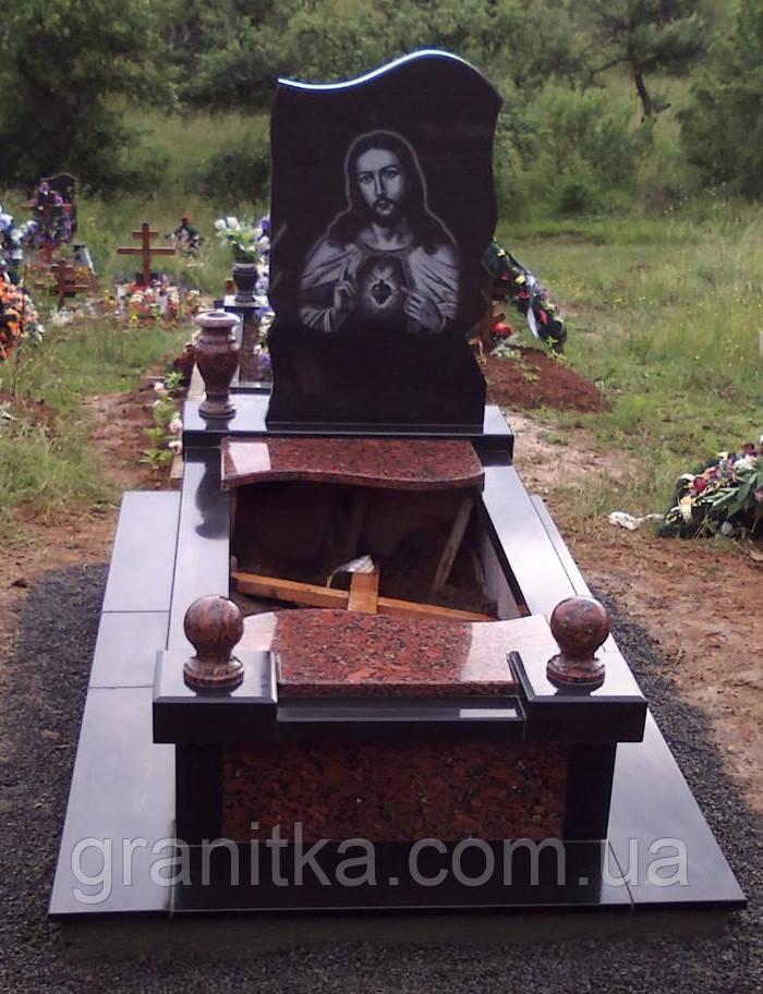 Памятник одинарний Ісус червоно-чорний граніт 41