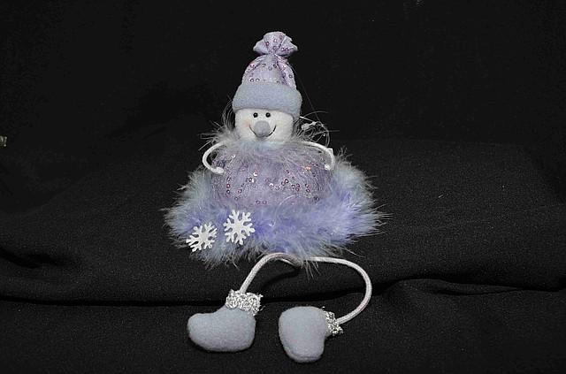 Новогодние украшения Снеговик сидячий  сиреневый  0100