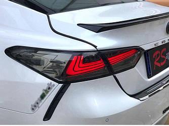 Фонари Toyota Camry 70 тюнинг LED оптика (красная - тонированная)