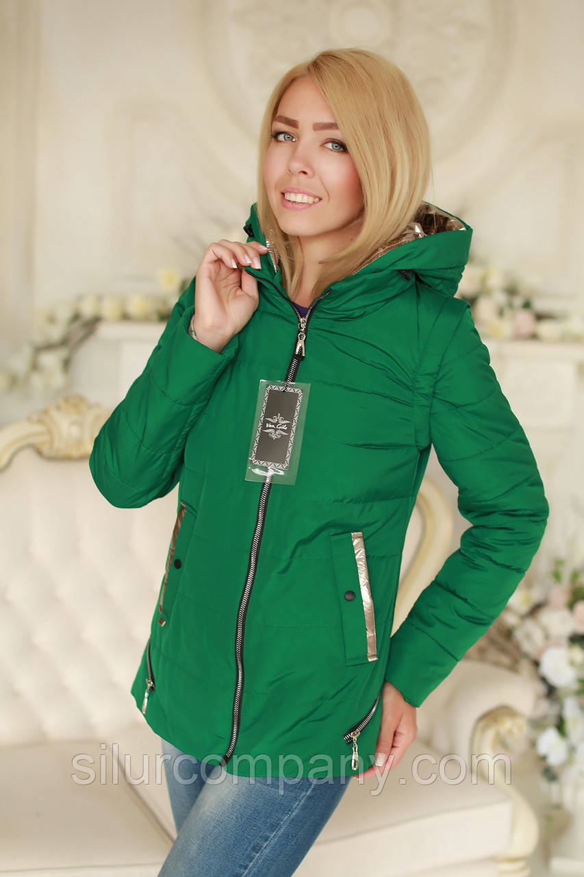 395e6f2d257 Зеленая короткая демисезонная куртка с капюшоном