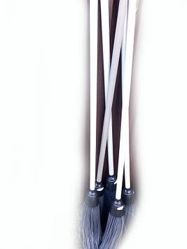 Метла пластиковая с пластиковым черенком Лемира