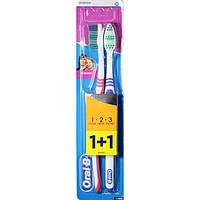 Зубная щетка Oral-B 3 Effect Classic 40 средняя жесткость, 1+1 шт