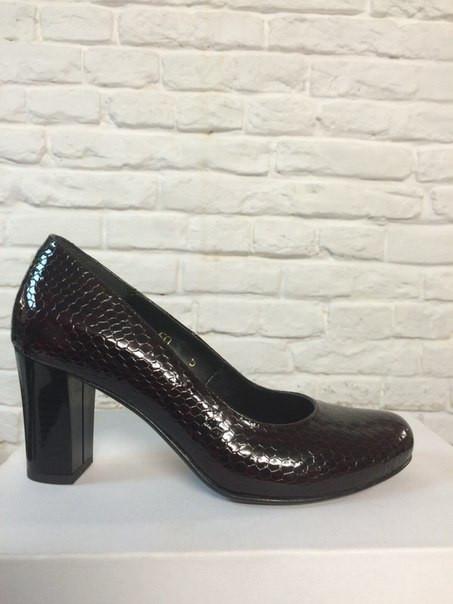 Туфли на широком каблуке бордовый (О-620)