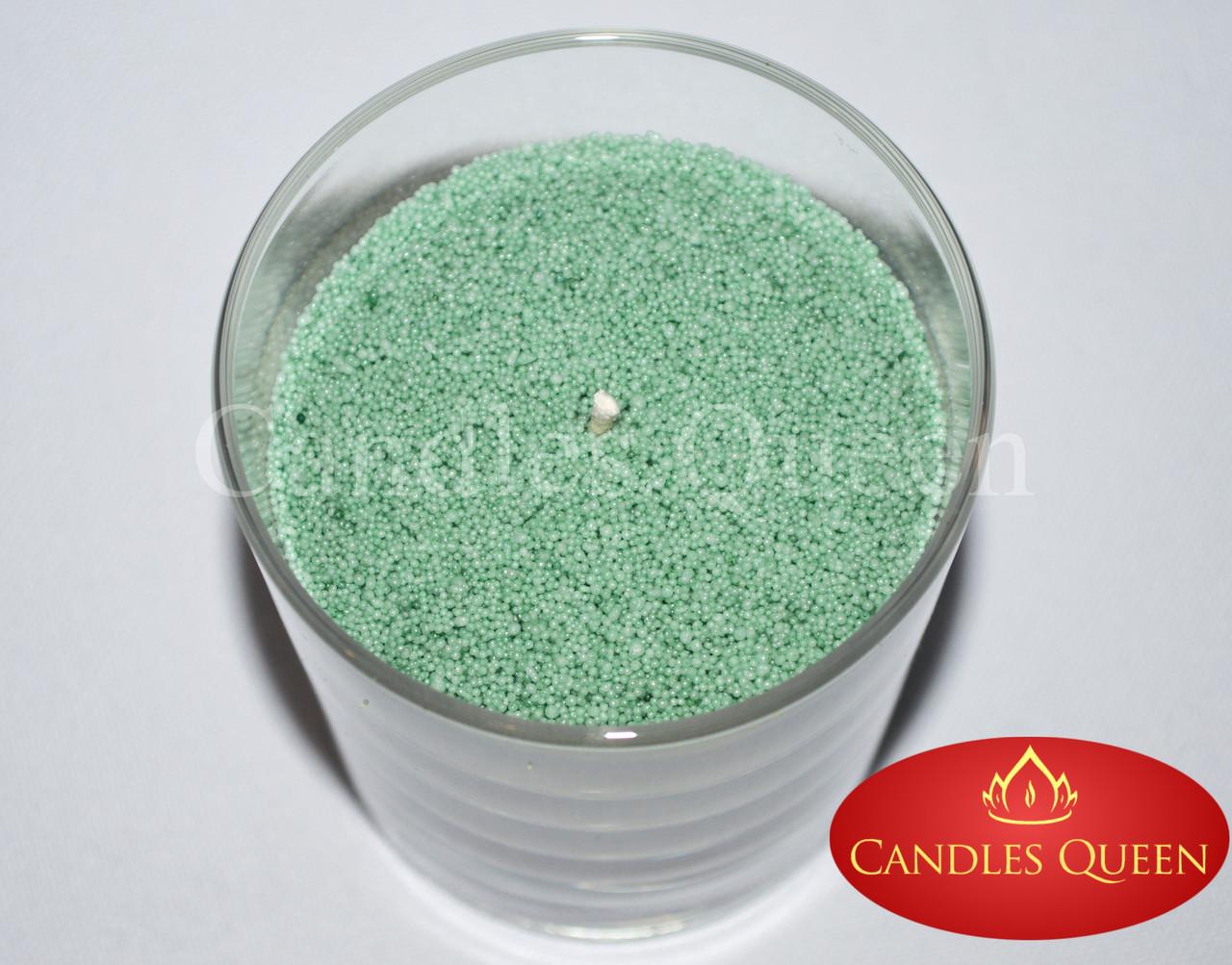 Стеарин весенне-зеленый цвет 1 кг. Для насыпных свечей и литых