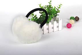 Меховые наушники для девочки на плюшевом ободке белые