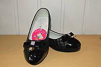 Туфли на девочку 32,33,36 р черные.