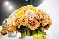 Цветочное оформление, композиции, свадебные букеты и бутоньерки, украшение цветами, цветы на стол, арка из цве