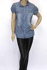 Женская джинсовая рубашка в цветочный принт  короткий рукав , фото 2