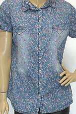 Женская джинсовая рубашка в цветочный принт  короткий рукав , фото 3