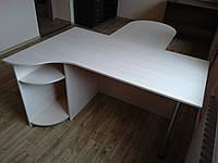 Стол руководителя с приставкой для совещаний