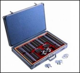 Набори офтальмологічних окулярних лінз
