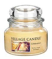 Свеча ароматическая Праздник Village Candle 262 г