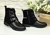 Черевики комбіновані чоботи на низькому ходу, декоровані ремінцями, фото 4