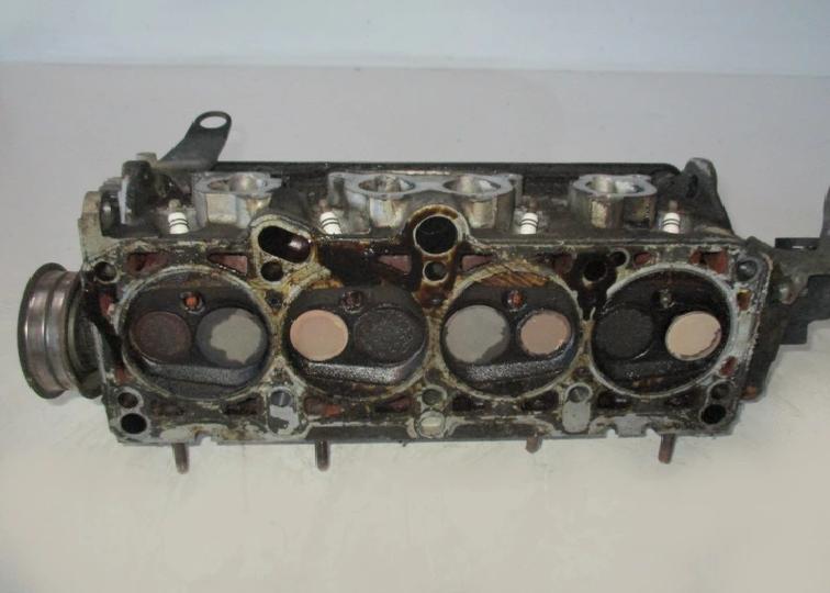 ГБЦ Головка блока для VW PASSAT B4 1.6 050103373