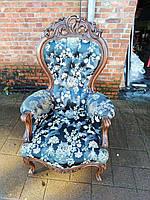 Итальянское кресло бароко.