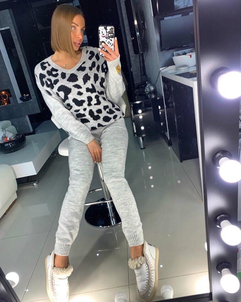 Вязаный женский костюм с принтом леопардовым 18st944