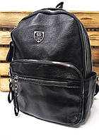Классический женский рюкзак черного цвета с широкими молниями и дополнительными отделами