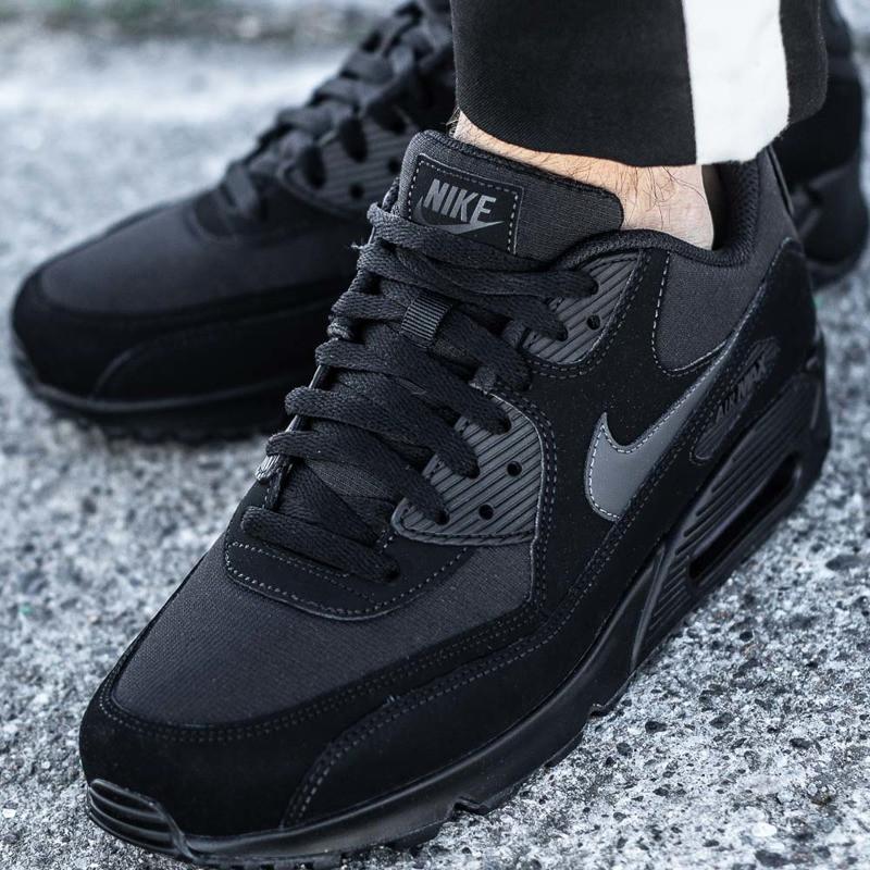 128f589b Оригинальные мужские кроссовки Nike Air Max 90 Essential: продажа ...