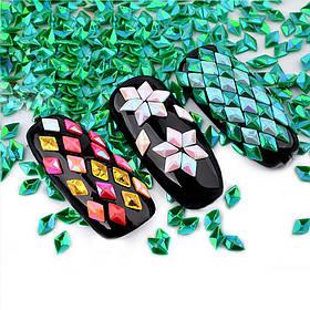 3D дизайн для ногтей ромбики стразы, разные цвета