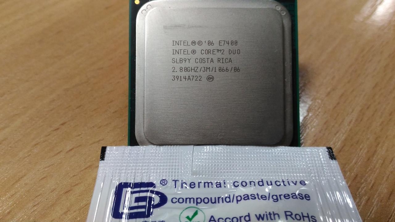 Процессор Intel C2D E7400 /2(2)/ 2.8GHz  + термопаста 0,5г